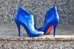 """Botine """"Gaga Cobalt Blue"""", executate din piele naturala exterior, interior. Brantul botinelor este prevazut cu un buret special ceea ce le face foarte comode. Acestea se pot realiza si din alte culori sau variante de piele (bovina, velur, lacuita). Marimi disponibile 39."""