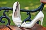 """Pantofi eleganti """"Iren"""" cu varful decupat, realizati din satin si piele naturala interior, exterior. Inaltimea tocului este de 7 cm. Acoperisul de brant al pantofilor este prevazut cu un buret special ceea ce ii face extrem de comozi. Marimi 35-41."""